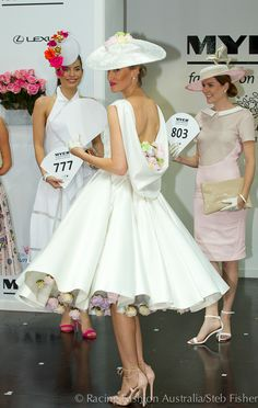 Racing Fashion - Home Derby Day Fashion, Race Day Fashion, Races Fashion, Ascot Outfits, Derby Outfits, Chic Outfits, Fashion Outfits, Derby Attire, Kentucky Derby Outfit