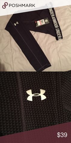 On sale till 5pmWomen's Under Armour leggings Black and gray... fitted leggings.. Price Not Negotiable Under Armour Other