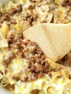Tender egg noodles, melty cheese, and a creamy tomato ground beef mixture make for one amazing, and family-friendly dinner! The entire family will love this simple and easy creamy beef noodle bake. It's a family favorite that can be on the dinner table in 30 minutes. Perfect for a busy weeknight and back-to-school dinner.   Do you have a go-to dinner? A dinner that you can make and you know everyone will love it and it will turn out delicious each time. Well, this creamy beef noodle bake is…