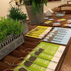 """""""Não é preciso entrar para a história para fazer um mundo melhor"""" (Gandhi). Faça a sua parte nós estamos buscando fazer a nossa! Ótimo final de semana!  #sucosfuncionais #levequilibriumparadentrodevocê #saúde #oficina_equilibrium #oficinaequilibrium #funcional #alimentação #consciencia #sustentável #organico #healthy #greenjuice #sucodetox #gandhi #sustentabilidade #gandhi by oficina_equilibrium http://ift.tt/1XEzudY"""