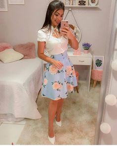 Look by @poderosas0ficial ❤Segue lá!! #noivasp #vestido  #vestidosdefesta #buquetdenoiva  #wedding  #tumblr #casarnapraia  #casamentodeluxo… Modest Wear, Modest Dresses, Modest Outfits, Skirt Outfits, Classy Outfits, Frilly Dresses, Cute Dresses, Beautiful Dresses, Cool Outfits