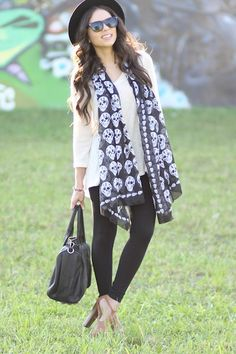Bronze-jessica-simpson-shoes-black-forever-21-hat-black-express-leggings_400