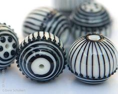 Lampwork beads by Dora Schubert