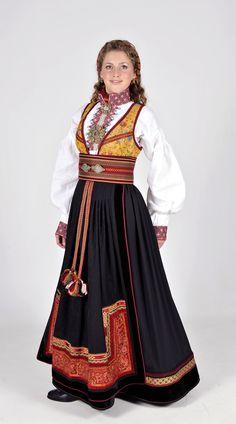Norwegian folk dress from Telemark | Beltestakk fra Telemark