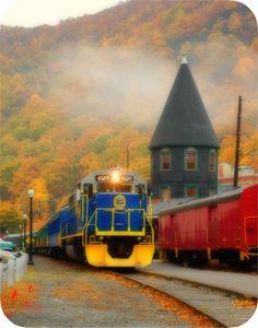 Autumn train tour. Jim Thorpe, Pennsylvania. Originalmente fundada como Mauch…