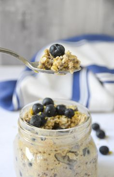 Prepare these blueberry muffin overnight oats in a few minutes the night before (under 10 ingredients!) so you have a delicious breakfast ready to go in the morning.
