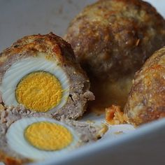 Prajitura Bounty de post | Retete culinare cu Laura Sava - Cele mai bune retete pentru intreaga familie Scotch Eggs, Deserts, Good Food, Cooking Recipes, Keto, Homemade, Breakfast, Sweet, Ferrero Rocher