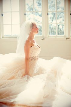 Glamourous Bridal Portraits   Christina Carrol