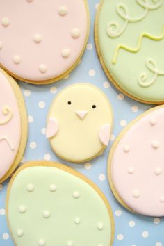 Easy Easter Chick Cookies, Homemade Easter Egg Cookie Recipe, DIY Holiday Craft for Kids, Pastel Easter Eggs No Egg Cookies, Galletas Cookies, Iced Cookies, Cute Cookies, Easter Cookies, Easter Treats, Cookies Et Biscuits, Cupcake Cookies, Easter Biscuits