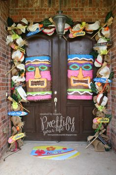 Twitter / PrettifyUrLife: Check out my #luau doorsca ...