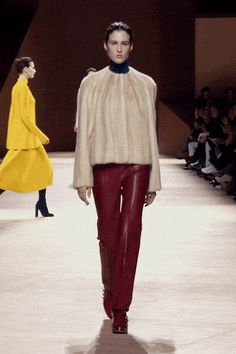 Overcoat in beige mink, tube trousers in brick red lambskin, low boots in bright red smooth crocodile #hermes #hermesfemme #womenswear #fashion