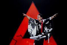 """30 Seconds To Mars, el grupo de rock alternativo liderado por el músico y actor Jared Leto, sacará a la venta su nuevo tema, """"Up in the Air"""", el lunes 18 de Marzo. El mismo formará parte de un álbum aún sin nombre que pretende ser la continuación de su anterior trabajo """"This is War"""" (2009)."""