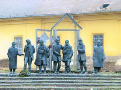 Tanári kar szobor (Nagykőrös) http://www.turabazis.hu/latnivalok_ismerteto_5300 #latnivalo #nagykoros #turabazis #hungary #magyarorszag #travel #tura #turista #kirandulas