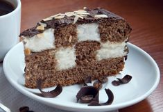 Tort tabla de sah cu crema de lamaie