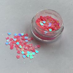 Part of the new Autumn edition. This glitter is called Cupid.  Apply by using Vaseline on the skin and then dabbing the glitter on top! Stays all day! The glitter comes in a 5ml pot and contains enough to use on several occasions. Any questions dont hesitate to email me here on my Instagram jazzy_glitter_shop.  Thank you