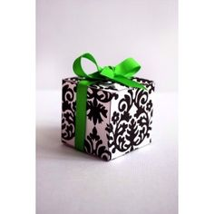 Black & White Damask Wedding Favour Box -  http://www.thinkfavours.co.uk/product.php?id_product=65