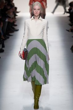See the complete Valentino Fall 2014 Ready-to-Wear collection.