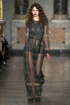Blugirl – Mailand Fashion Week Report Herbst/Winter 2015/16: Einen Überblick über die neusten Shows und Kollektionen der italienischen Designer von der laufenden Mailänder Modewoche gibt es hier.