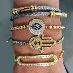 Set By Vila Veloni Gold Hand Bracelets