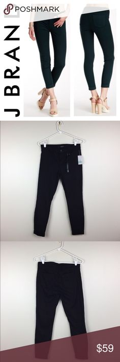 OFFERS👍NWT J BRAND ANKLE SKINNY SZ30 Beautiful brand new with tags J Brand skinny black jeans ankle cut in size 30. Perfect for spring! Love it? Make an offer!  Super open to offers! Questions? Ask me 😉💖 J Brand Jeans Skinny
