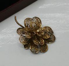 Vintage Broschen - Filigran vergoldete Blütenbrosche 833 Silber SB208 - ein Designerstück von Atelier-Regina bei DaWanda