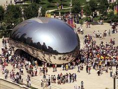 """Anish Kapoor /// El escultor de origen indio afincado en el Reino Unido Anish Kapoor realizó entre 2004 y 2006 esta bella y enorme escultura llamada Cloud Gate ( pero que es popularmente conocida como The beam """"la judia"""" ) realizada con acero inoxidable pulido y que se encuentra en el Millennium Park en Chicago."""