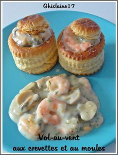 Vol au vent con gamberi e cozze Vol Au Vent, Chicken Appetizers, Seafood Appetizers, Appetizer Recipes, Antipasto, Baked Mussels, Fast Food, Salty Cake, Fish Dishes