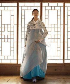 Korian - Another! Korean Traditional Dress, Traditional Fashion, Traditional Dresses, Korean Dress, Korean Outfits, Ethnic Fashion, Asian Fashion, Modern Hanbok, Dress Attire