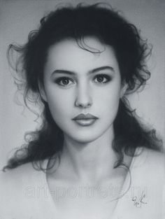 On this page presented Monica Bellucci portrait with video drawing of the most beautiful italian actress of Hollywood Female Face Drawing, Italian Actress, Realistic Paintings, Foto Art, Dry Brushing, Female Portrait, Woman Portrait, Pencil Portrait, Woman Face