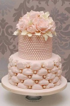 wedding cakes with chocolate frosting Crazy Wedding Cakes, Wedding Cake Pearls, Amazing Wedding Cakes, Elegant Wedding Cakes, Wedding Cake Designs, Wedding Cupcakes, Amazing Cakes, Cake Wedding, Gorgeous Cakes