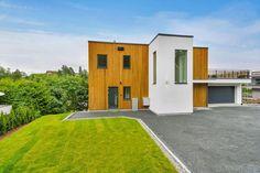 FINN – BEKKESTUA- Nyoppført og moderne funkisvilla over 3 plan med hybeldel - Takterrasse - Integrert garasje