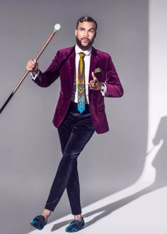 Jidenna This is an example of dandy style because of the colors and the velvet used in the suit. The printed tie as well adds to the dandy style. Gentleman Mode, Gentleman Style, Mens Fashion Suits, Mens Suits, African Men, African Fashion, Estilo Dandy, Style Afro, Dandy Style