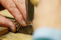 Brooch Jewelry Making, Wedding Rings, Brooch, Engagement Rings, How To Make, Enagement Rings, Brooches, Jewellery Making, Make Jewelry