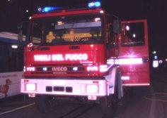 Sono 5 i vigili del fuoco coinvolti in un incidente che li ha visti protagonisti mentre tornavano a casa  http://tuttacronaca.wordpress.com/2014/01/12/5-vigili-del-fuoco-precipitano-in-scarpata-avevano-aiutato-nel-crollo-della-palazzina/