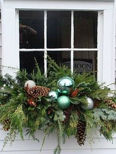 Yuletide Window box Christmas decoration planter - faux snowballs, over-sized pine cones, curly willow, and fresh greenery for Garage Window. Winter Window Boxes, Christmas Window Boxes, Christmas Planters, Christmas Porch, Noel Christmas, Outdoor Christmas Decorations, Country Christmas, Winter Christmas, Christmas Wreaths