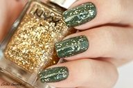 gold + green manicure