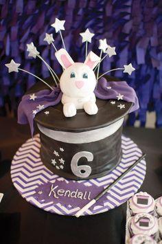 modern-magic-rabbit-hat-cake