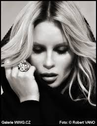 Výsledek obrázku pro robert vano Muse, Diamond Earrings, Rings For Men, Black And White, Film, Photography, Tat, Inspiration, Models