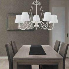 Lámpara colgante de tipo araña con 5 brazos. Estructura en color marfil y pantallas con acabado lino que proporcionan una gran luminosidad. Ideal para iluminar dormitorios, salones, salas de estar o comedores de estilo clásico.