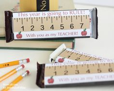 Printable candy bar wrappers make a simple and expensive back to school teacher gift idea. This year is going to RULE!