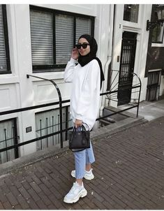 Modest Outfits Muslim, Modest Fashion Hijab, Modest Summer Fashion, Modern Hijab Fashion, Street Hijab Fashion, Hijab Fashion Inspiration, Casual Hijab Outfit, Muslim Fashion, Fashion Outfits