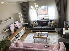 Gri ve beyazın sadeliğini sıradışılaştıran pembe ile dengeli ve keyifli bir salon tasarlamış ev sahibimiz Kübra hanım. Yeni evli ev sahiplerimiz, kişisel pek çok da detay ekledikleri evlerini ortak ze...