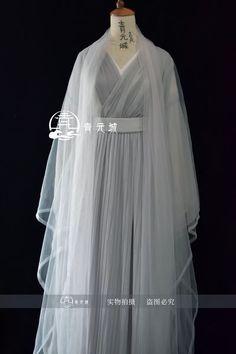 Asian Hair Pin, Princess Outfits, Chinese Clothing, Antique Clothing, Kawaii Clothes, Hanfu, Lolita Dress, Beautiful Asian Girls, Beautiful Gowns