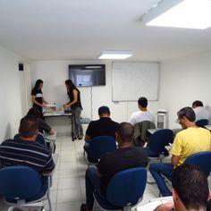 Aula Curso NR10 com professora do SENAI                             Conheça: http://www.cursonr10bh.com/