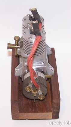 Southern Alternate Firing Twin .326 inline twin spark ignition model airplane engine. This is a very nice reproduction of the 1938 Southern Model Engineers (Bob Chunn) Inline Twin spark ignition model airplane engine.