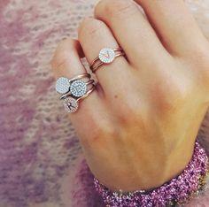 OOOOOW MY LOOOOORD #minitials #minitialsmoments #aeoncollection #18k #solidgold #realdiamonds #diamondring #pushgift #pushpresent #engagementring #weddinggift #birthdaygift #bridalinspiration #bridal
