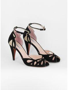 Pretty Shoes, Beautiful Shoes, Cute Shoes, Me Too Shoes, Zapatos Shoes, Shoes Sandals, Dress Shoes, Sock Shoes, Shoe Boots