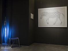 Un'immagine dell'allestimento del progetto Zebre presso l'NH Nhow Hotel di Milano