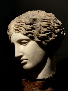 Statues and sculpture from antiquity, the Middle Ages, and the neoclassical world. Ancient Greek Sculpture, Greek Statues, Sculpture Head, Roman Sculpture, Ancient Romans, Ancient Art, Art Romain, Roman Art, Greek Art