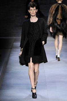 Fendi Fall 2010 Ready-to-Wear Collection Slideshow on Style.com